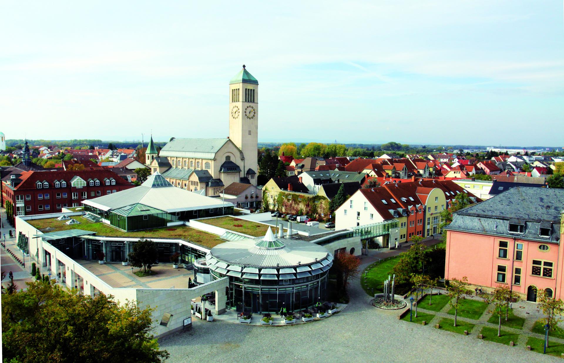 68766 Stadthalle Hockenheim Foto