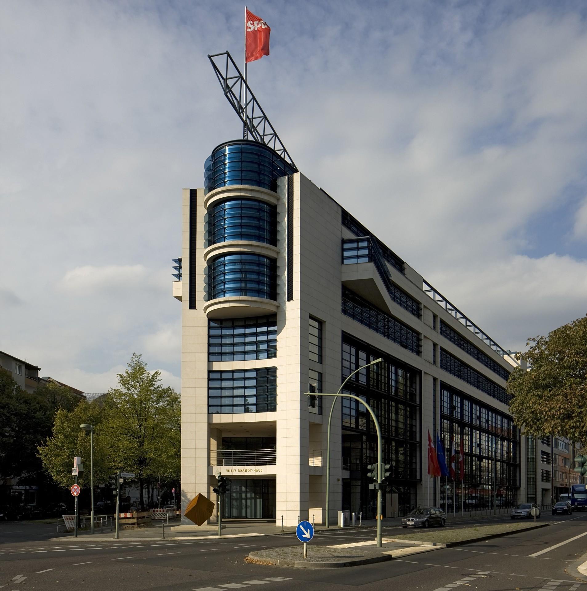 10963 Willy Brandt Haus Berlin Foto bearbeitet