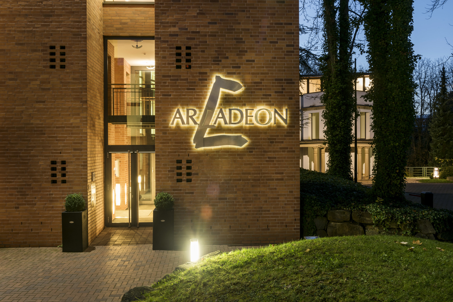 Das Foto ist ausschließlich für PR- und Marketingmaßnahmen des Hotel ARCADEON - D-Hagen zu verwenden. Jegliche Nutzung Dritter muss mit dem Bildautor Günter Standl (www.guenterstandl.de) - (Tel.: 00491714327116) gesondert vereinbart werden.