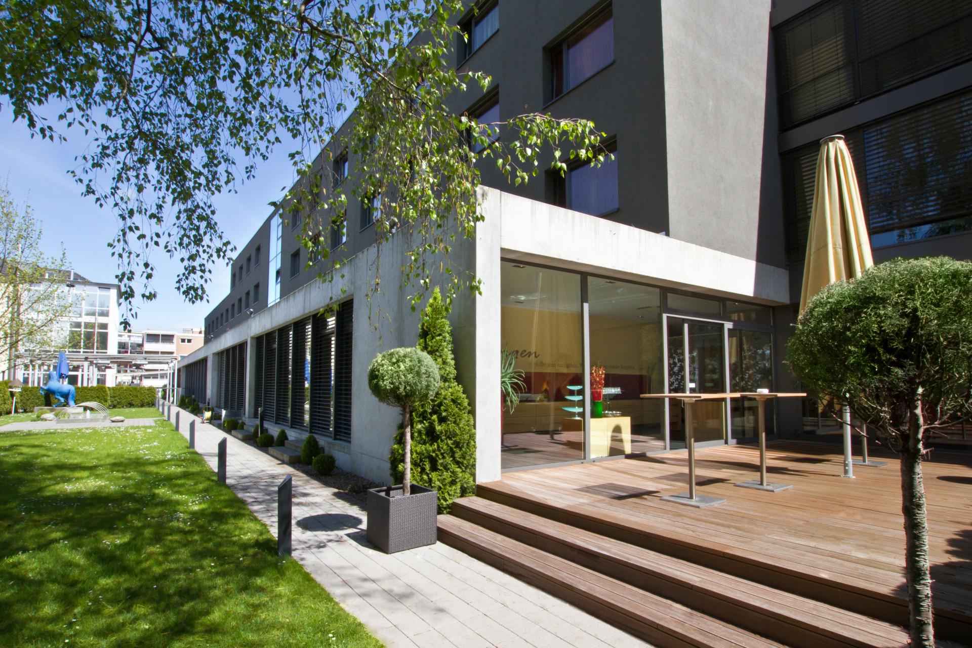 76227 Hotel Der Blaue Reiter-Gartenansicht